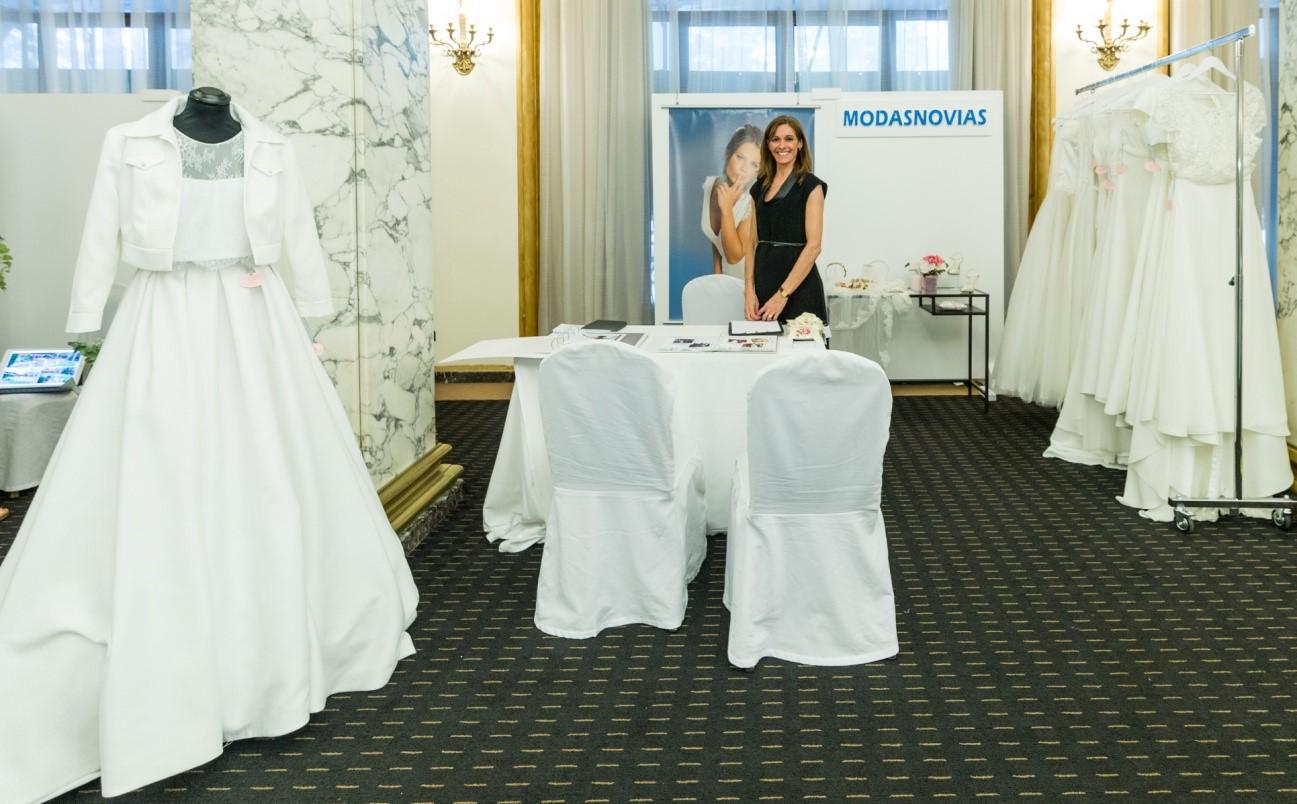 Modanovias, atelier de vestidos para novias en Barcelona Fira de Nuvis