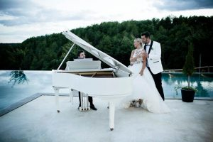 novios-piano-boda
