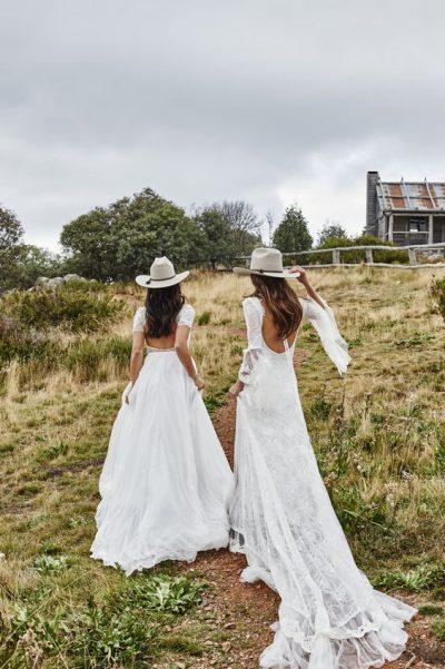 novias-sombrero-bcn-campo